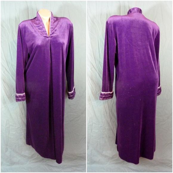 Jasmine Intimates Sleepwear Rose Velvet Zip Robe Velour Purple Vtg Poshmark